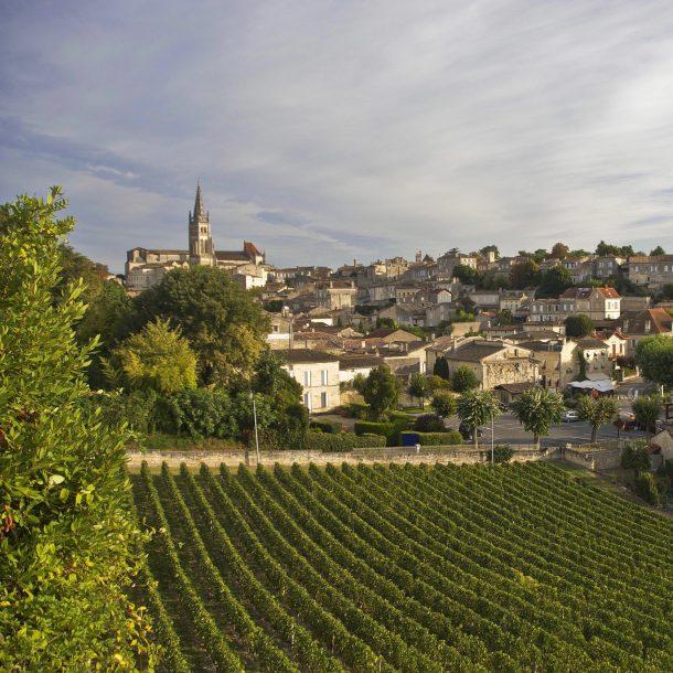 Saint Emilion - village and vineyards ©OT St Emilion