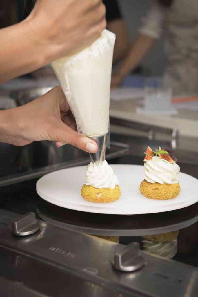 Baking Class at Alain Ducass School of cuisine ©Benjamin Schmuck