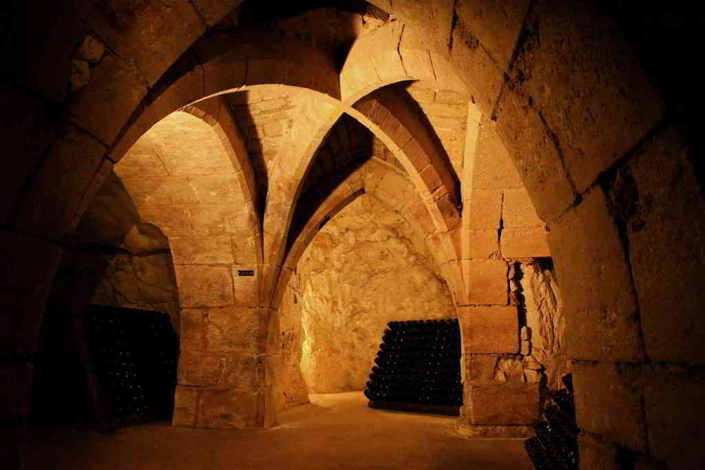 Caves-crypte - credit LouisTeran-2009_Taittinger