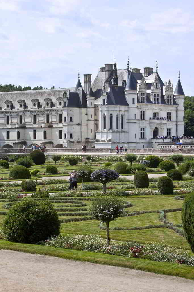 Chenonceau architecture and gardens ©Dian Marc