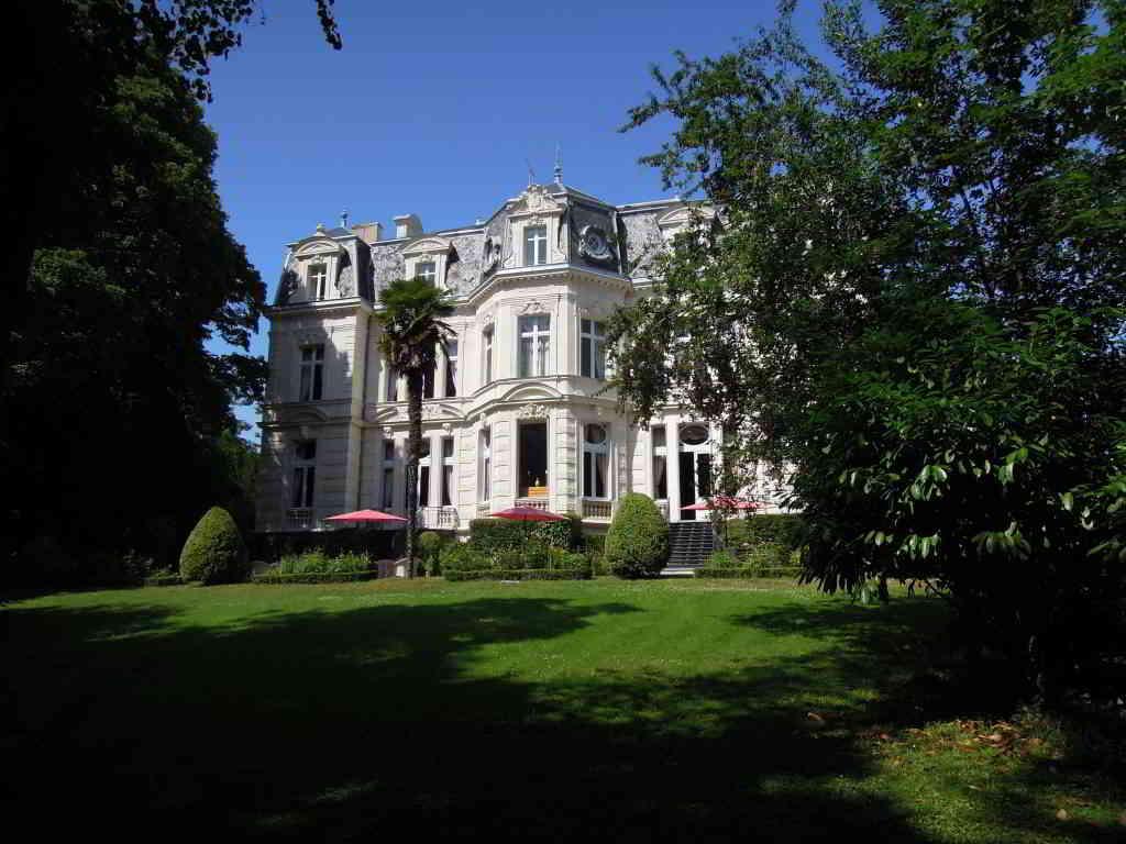 The Stunning Château des Verrières