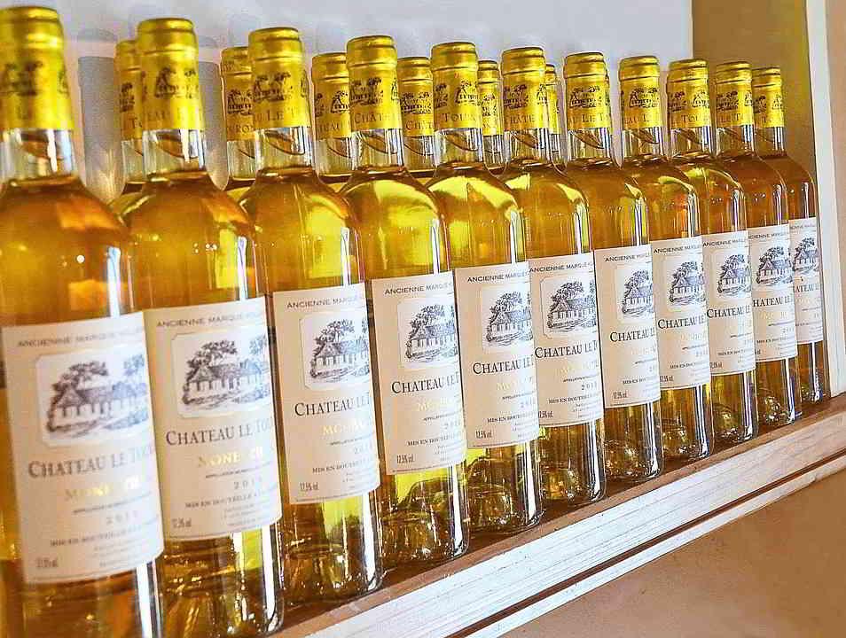 Drink-Monbazillac-Bordeaux-Bottles-White-Wine