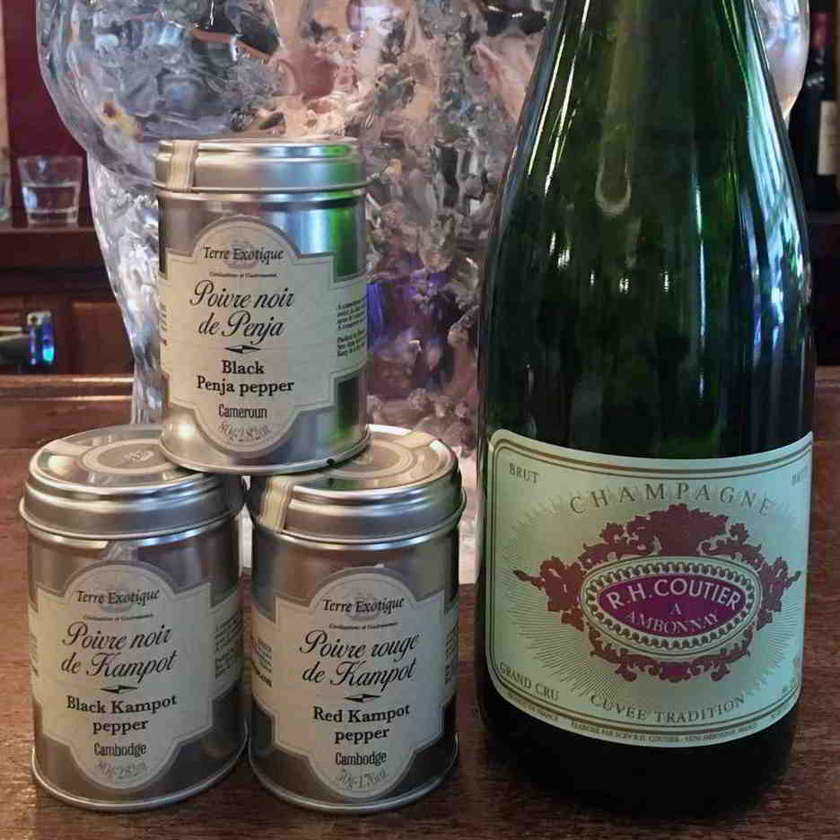food-wine-pairing-champagne-peppers