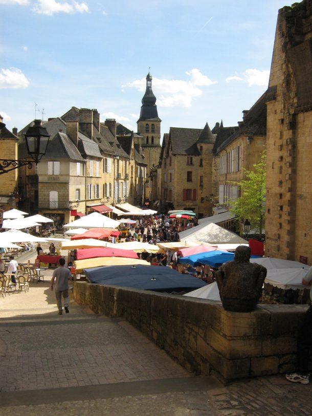 Sarlat's market