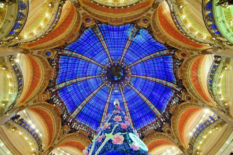 christmas coupole ceiling galeries lafayette decoration
