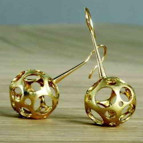 Walid Akkad gold jewelry ©Adornmag.in