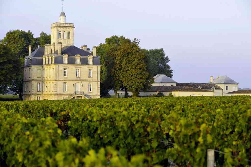 Bordeaux barging Castle