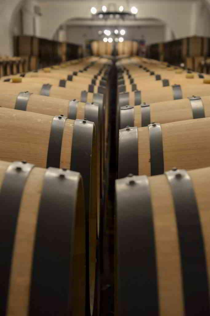 brodeaux wine barrel castel