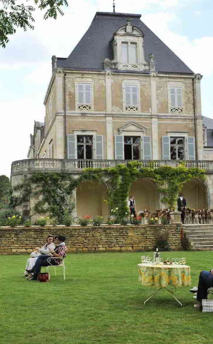 burgundy castle harpist tables