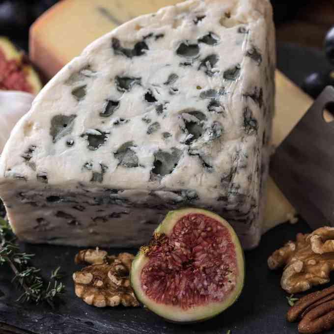 aveyron cheese figue wallnut