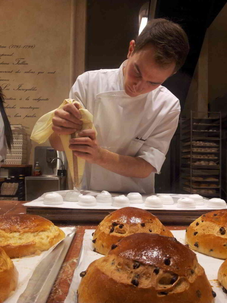 A chef demonstrating his recipe patisserie