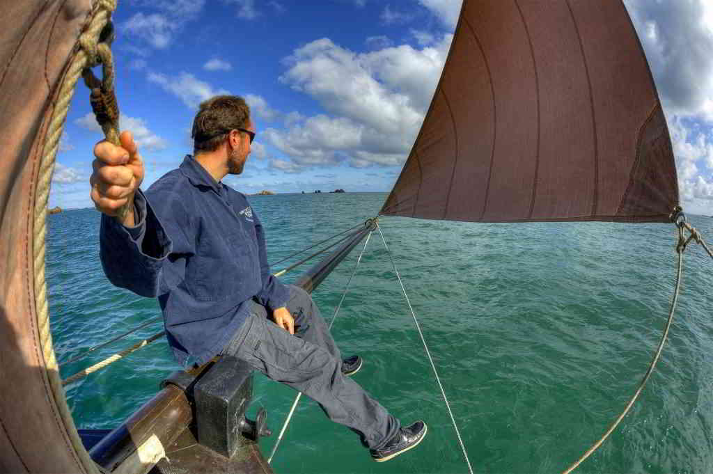 sailing boat sea