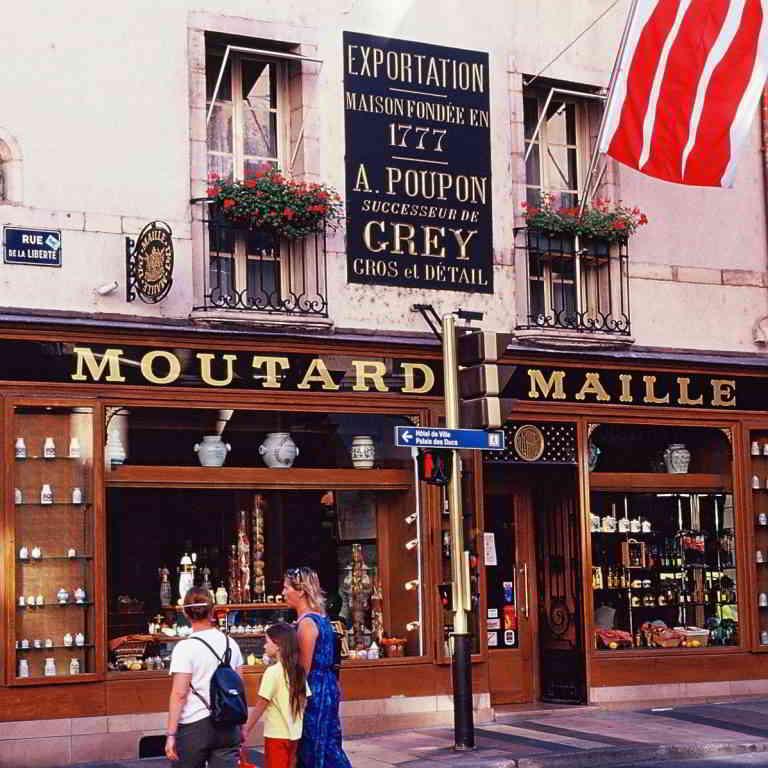 Dijon Maille Moutarde shop ©A.Doire - Bourgogne Tourisme