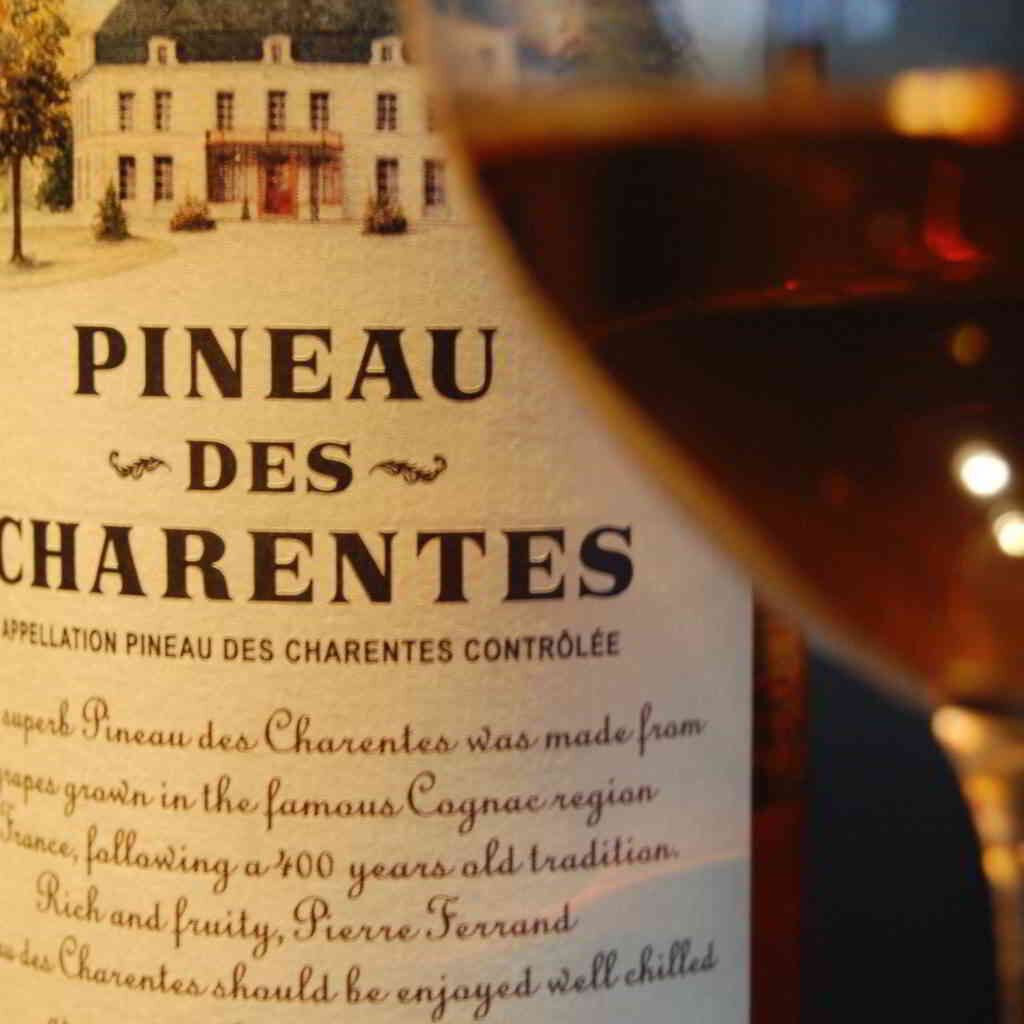 Pineau des Charentes glass ©BitterBooze