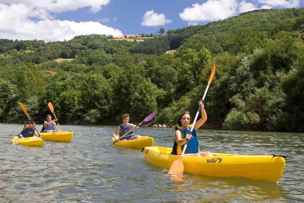 Kayaking in a river in the Pyrénées