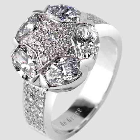 De Grace engagement ring, Collection Socrate ©De Grace